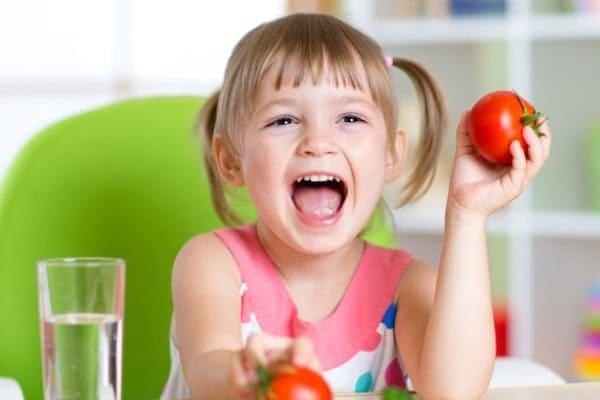 Нужно ли принимать витамины детям