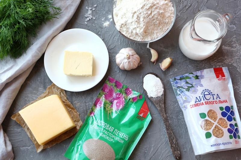 Сливочные сконы с сыром, чесноком и шротом расторопши