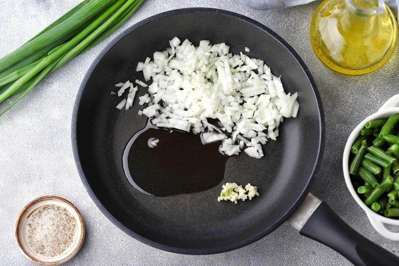 Зеленая фасоль в томатном соусе с маслом расторопши