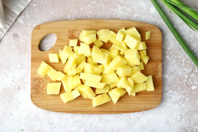 Овощной суп-пюре с маслом расторопши и сухариками