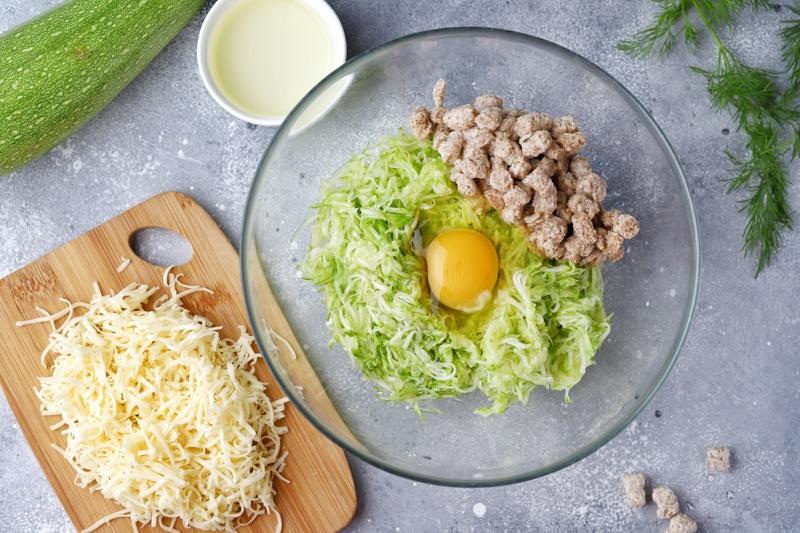 Кабачковые маффины с сыром и отрубями