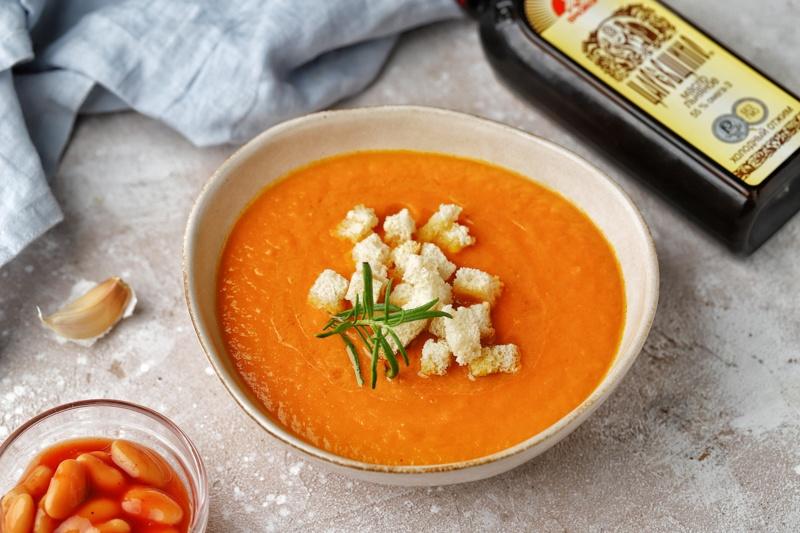Морковно-фасолевый суп с льняным маслом